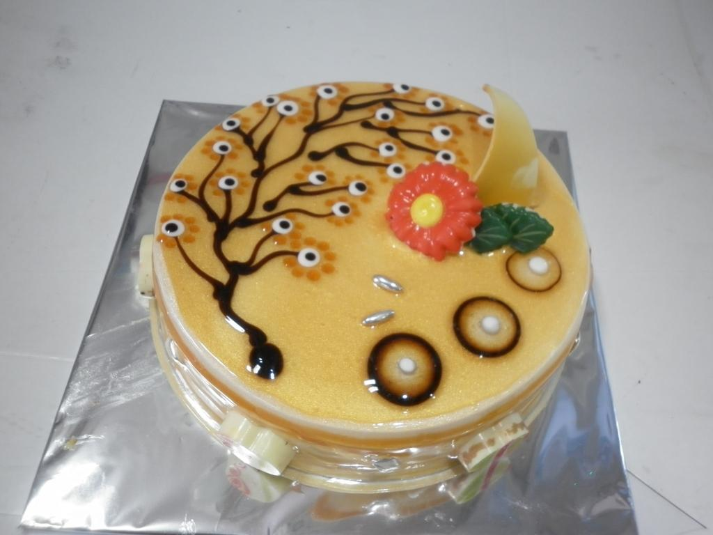 Best Designing Cake in Madurai, Fondant Cakes in Madurai, Best Wedding Designing cake in Madurai, Best Birthday Cakes in Madurai, Fresh Cream Cakes in Madurai, Best Cup cakes in Madurai, Red Velvet Cakes in Madurai -  Fresh and Delicious White Forest Cakes are available @ Blaack Forest Cakes.   A freshly baked Cakes from the Madurai special Blaack Forest Bakery will make your dears occasion a memorable one. Notes: - Service charge, Shipment and Tax are included - Cakes will be delivered same day within Madurai - Delivery available between 10am to 8pm - One day advance order required for Special, Egg less and 2Kg cakes - Image displayed are indicative in nature, actual product may vary in design, shape and color