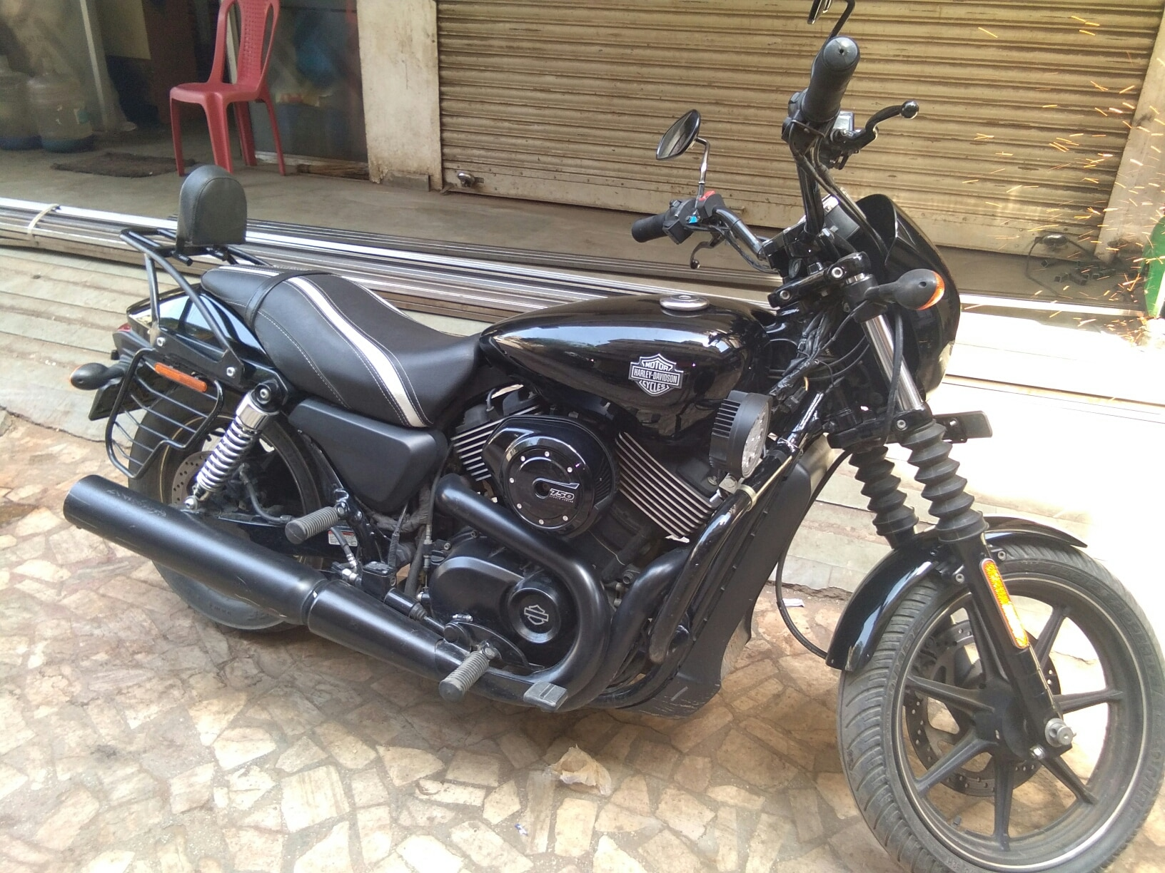 two wheeler on rent in ahmedabad saiveer travels hitesh 9825236735 harely devedson 750street