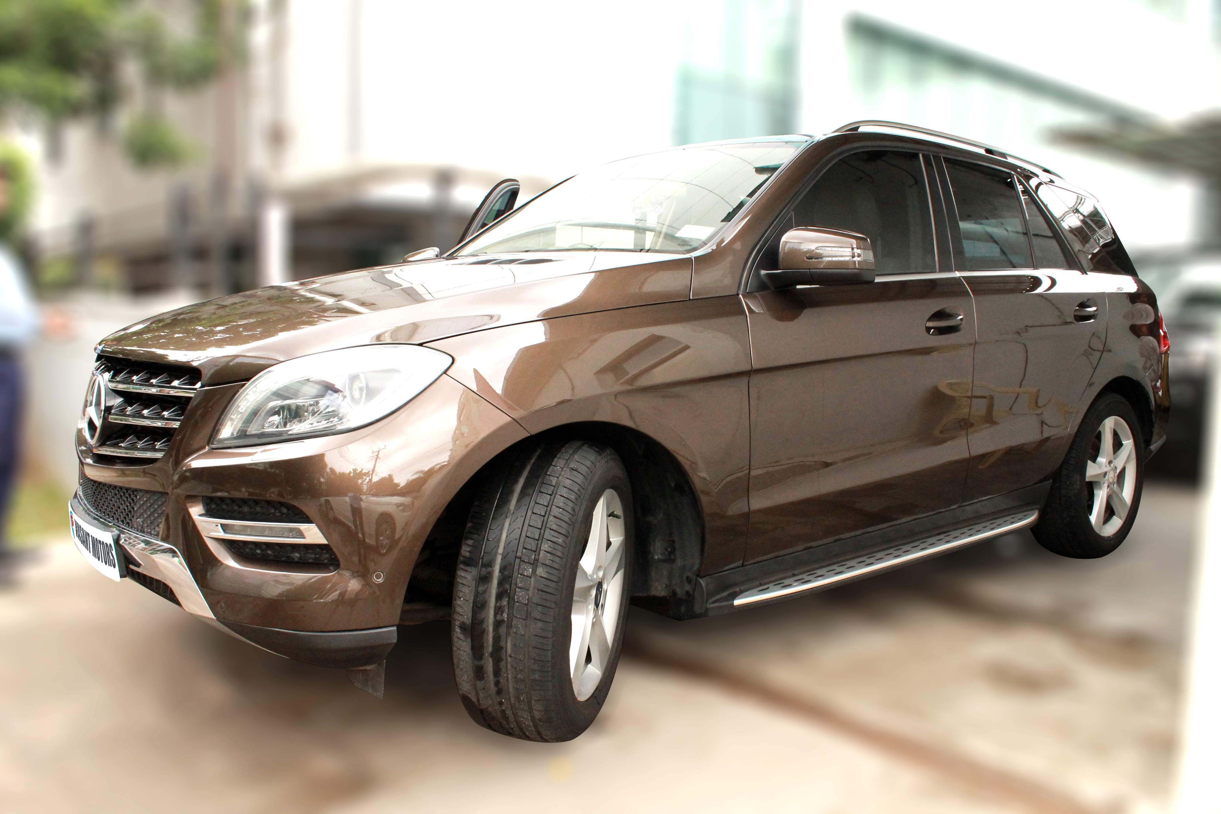 MERCEDES-BENZ ML350 CDI 4MATIC BLUE EFFICIENCY BSIV, (CITRINE BROWN COLOR, DIESEL) 2014 model done only 52, 000kms in absolute mint condition... buy now and get one year #service pack from us. For further info call 7569696666
