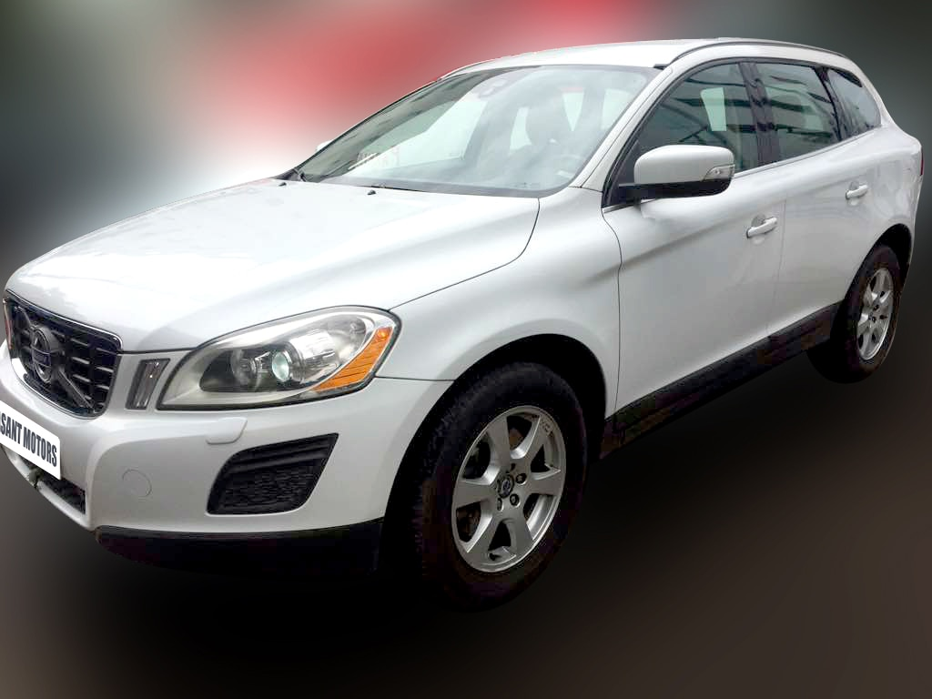 VOLVO XC60 D4 BSIV, (ICE WHITE SOLID COLOR, DIESEL) 2012 model done only 65, 000kms in absolute mint condition... buy now and get one year #service pack from us. For further info call 7569696666