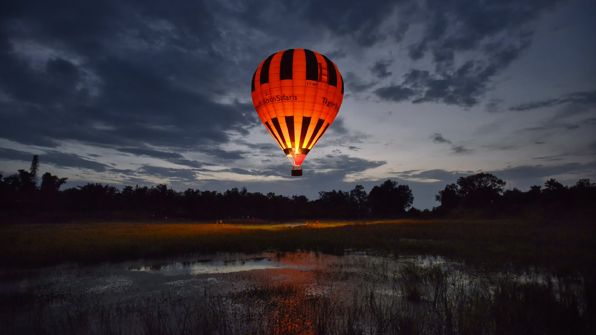Eyes in the Skies: Hot Air Balloons in Delhi NCR  Tiger Balloon Safaris  Here's another Hot air balloon in Rajasthan. Approved by the Director General of Civil Aviation, they comply with the top level aviation authority in India and have world class standards.  