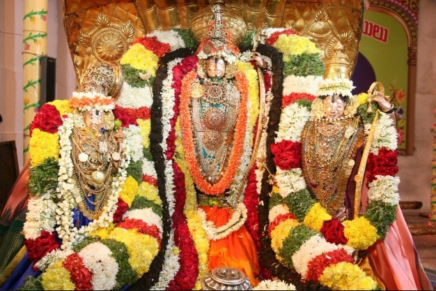 Tirupati Balaji Darshan Travels  TTD 300rs ticket online booking Daily Trips To Tirupati with Rs 300 Online SPL Ticket + Travel + Food @ Best Affordable Price  For More Information  Contact :- 07299022422 , 07299449999 , 07299922422  Email :- viswambaratravels@gmail.com  WhatsApp Number : 7299922422  For more information  visit:- http://www.tirupatibalajidarshanonline.in/  Tirupati News :- Tirupati, 10 Sep. 17: The Kalyanotsavam of Sri Sita and Sri Kodanda Rama Swamy will be conducted in the temple of Sri Kodanda Rama Swamy in Tirupati on September 15 on the advent of Punarvasu Nakshatram. After the morning sevas, the celestial wedding commences by 11am and grihastas said can take part in this fete on payment of Rs.500 per ticket on which two persons will be allowed. They will be provided with darshan of presiding deities, one upper cloth, one blouse piece and a laddu and vada. Later in the evening, the Unjal Seva will be performed at Ramachandra Pushakarini by 5:30pm.