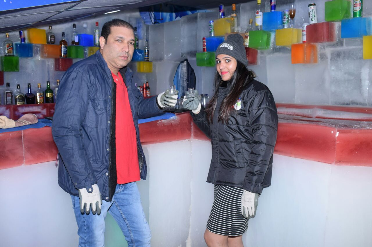 Enjoy drinks..?? Snow park goa has the best ice bar you will ever see...come enjoy drinks in hand crafted ice glasses #snowpark #snowparkgoa #snow #glass #drink #bar #icebar #alchol #liquor