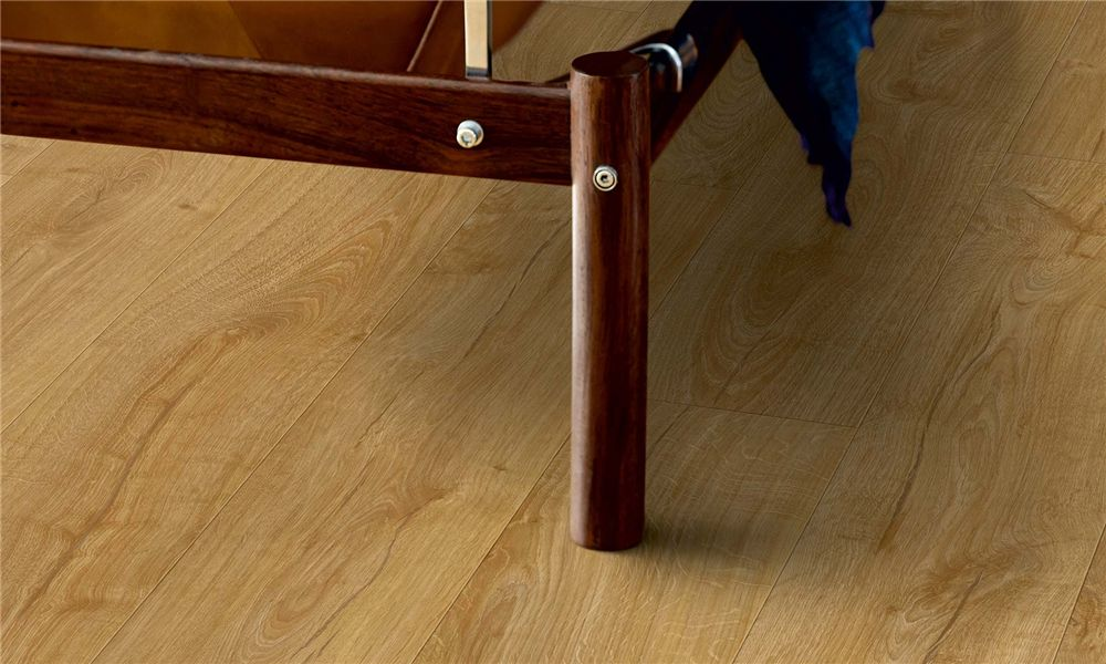 Manor Oak Plank Laminate Article Number L0331 03370 Is A Natural