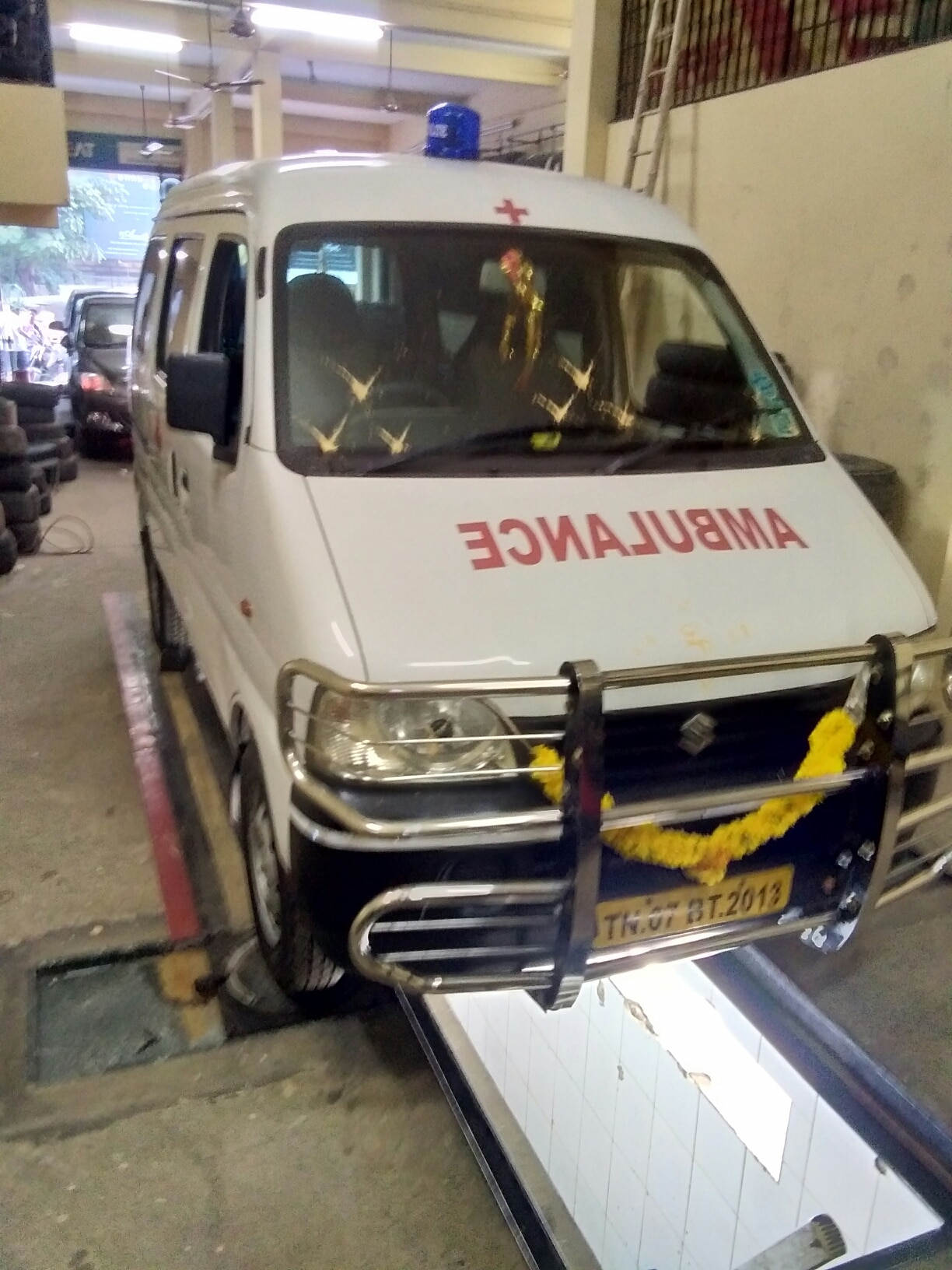 Indian ambulance service Chennai  mini ambulance  9841986467
