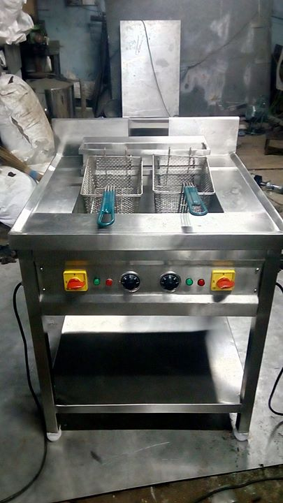 SS Electrical DeepFat Fryer For more info visit us at http://smartkitchenequipment.com/bizFloat/59ed8544da5283072428bf64/SS-Electrical-DeepFat-Fryer