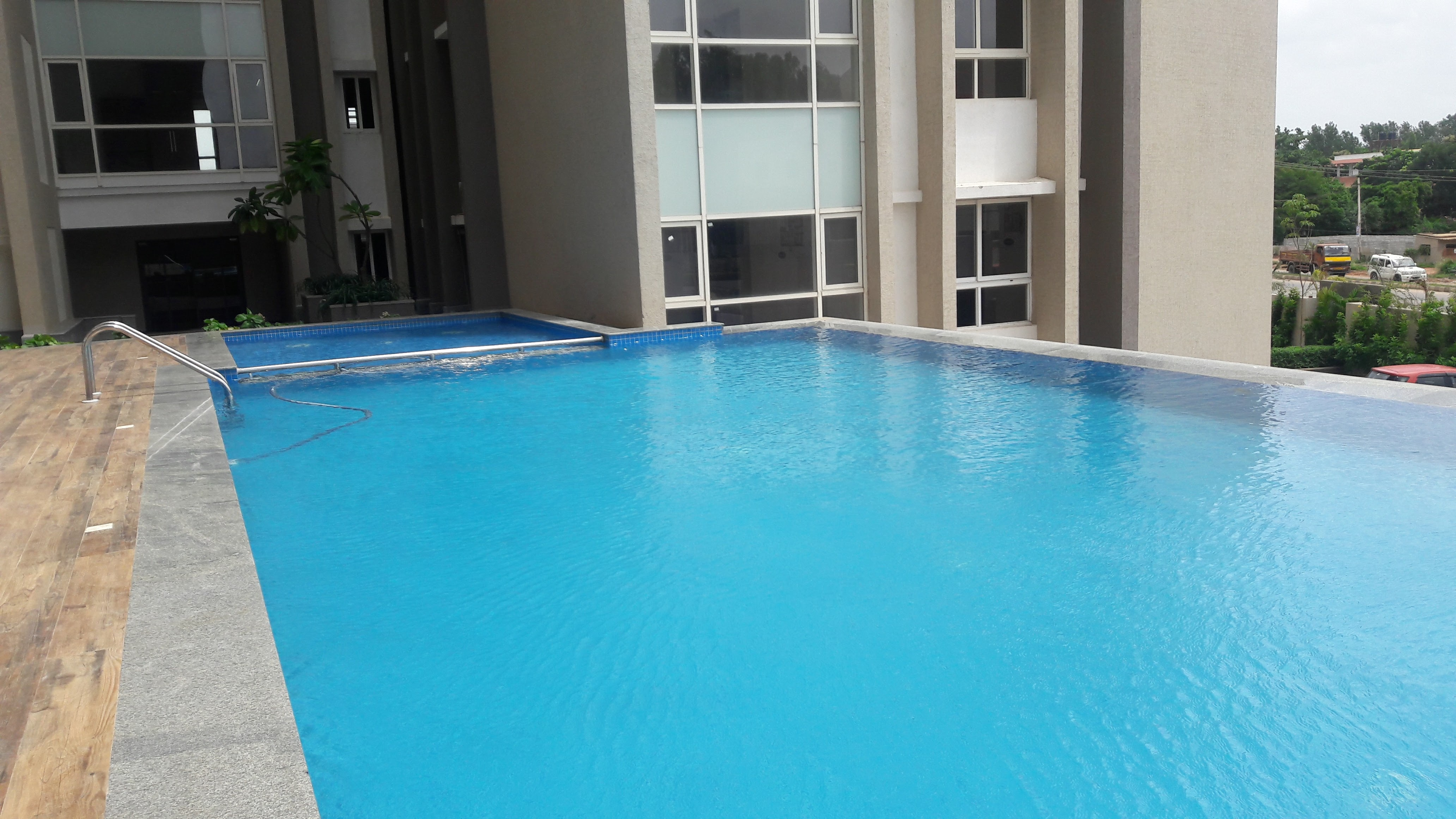 Swimming Pool and Fountain Contractors in Bangalore . We undertake design and construction of swimming pools, fountains and water bodies across all south Indian locations.  Infinity Swimming pool Created by Team Water Works for Salarpuria Sattva Aspire Project @ Bangalore