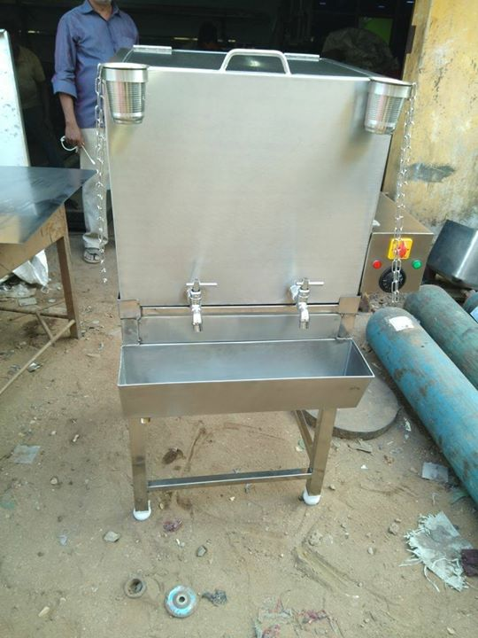 Stainless Steel Hot Water Tank With Heater For School Canteens , College Canteens , Inductrial Canteens , Hotels , Restaurants , Commercial Kitchen Equipment Manufacturer In Chennai For more info visit us at http://smartkitchenequipment.com/Stainless-Steel-Hot-Water-Tank-With-Heater-For-School-Canteens-College-Canteens-Inductrial-Canteens-Hotels-Restaurants-C/b97