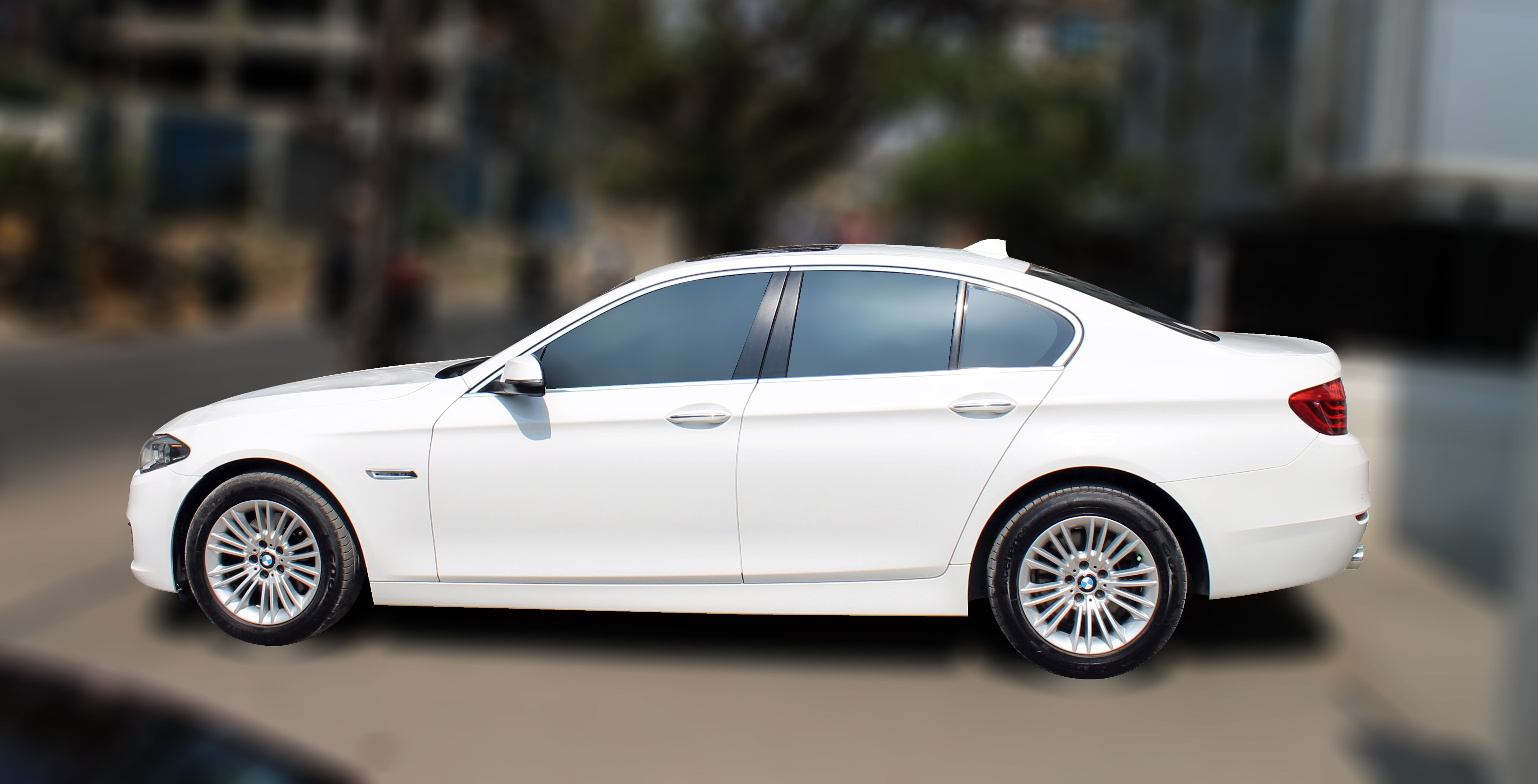BMW 520 D ( WHITE COLOR, DIESEL), 2016 model, done only 23000km in absolute mint condition... buy now and get one year #service pack from us. For further info call 7569696666. visit us @ www.vasantmotors.in