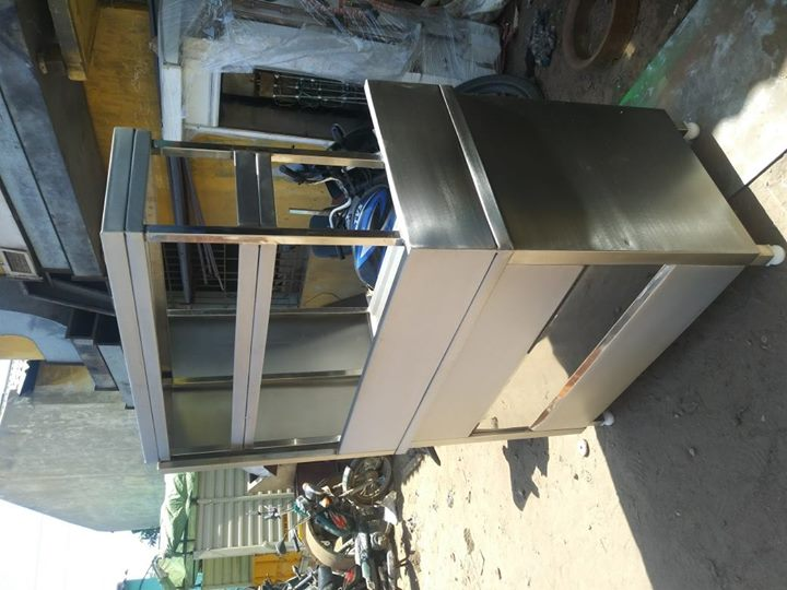 Stainless Steel Juice Counter For Hotels , Restaurants, Juice Shops, Coffee Shops, Commercial Kitchen Equipment Manufacturer In Chennai For more info visit us at http://smartkitchenequipment.com/Stainless-Steel-Juice-Counter-For-Hotels-Restaurants-Juice-Shops-Coffee-Shops-Commercial-Kitchen-Equipment-Manufacturer-/b112