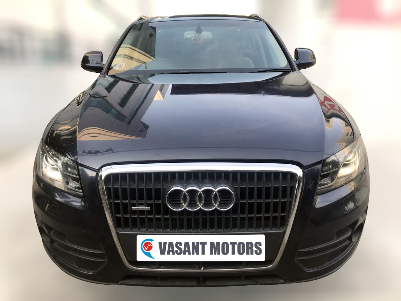 AUDI Q5 2.0 TDI ( MOONLIGHT BLUE METALLIC COLOR, DIESEL), 2012 model done only 82, 000km in absolute mint condition. For further info call 7569696666