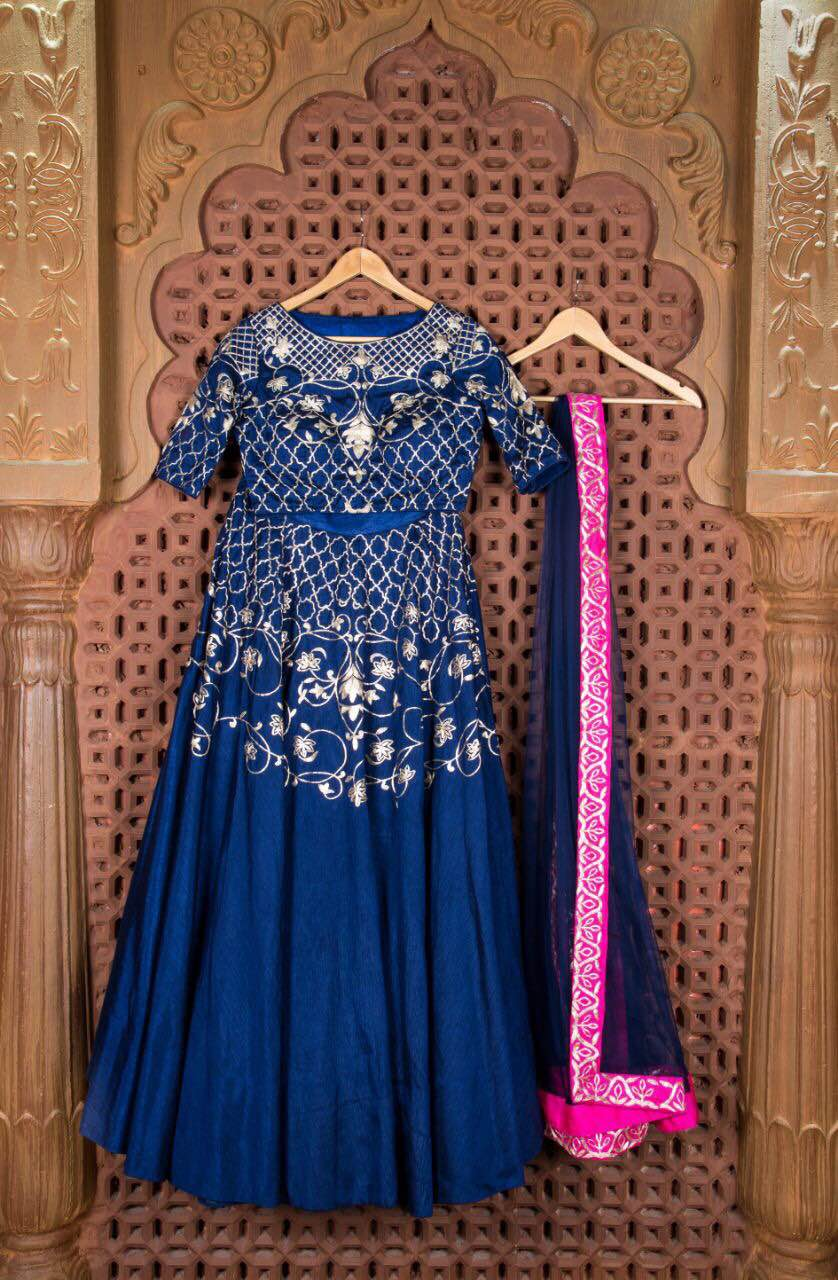 Another Masterpiece Designers Ethnic Traditional Lehnga in Jodhpur PANISHA . This antique Pittan Zari work on Lehnga waistline and the Blouse is studded with full Jaal pittan work with same work on Dupatta with Heavy Border Amazing Navy Blue Colour gives Traditional Retro Look also it's a MultiFlair Lehnga gives a Flairy look Jodhpur PANISHA bringing u the best of its Designer Ethnic Wear Collection This Summer Season