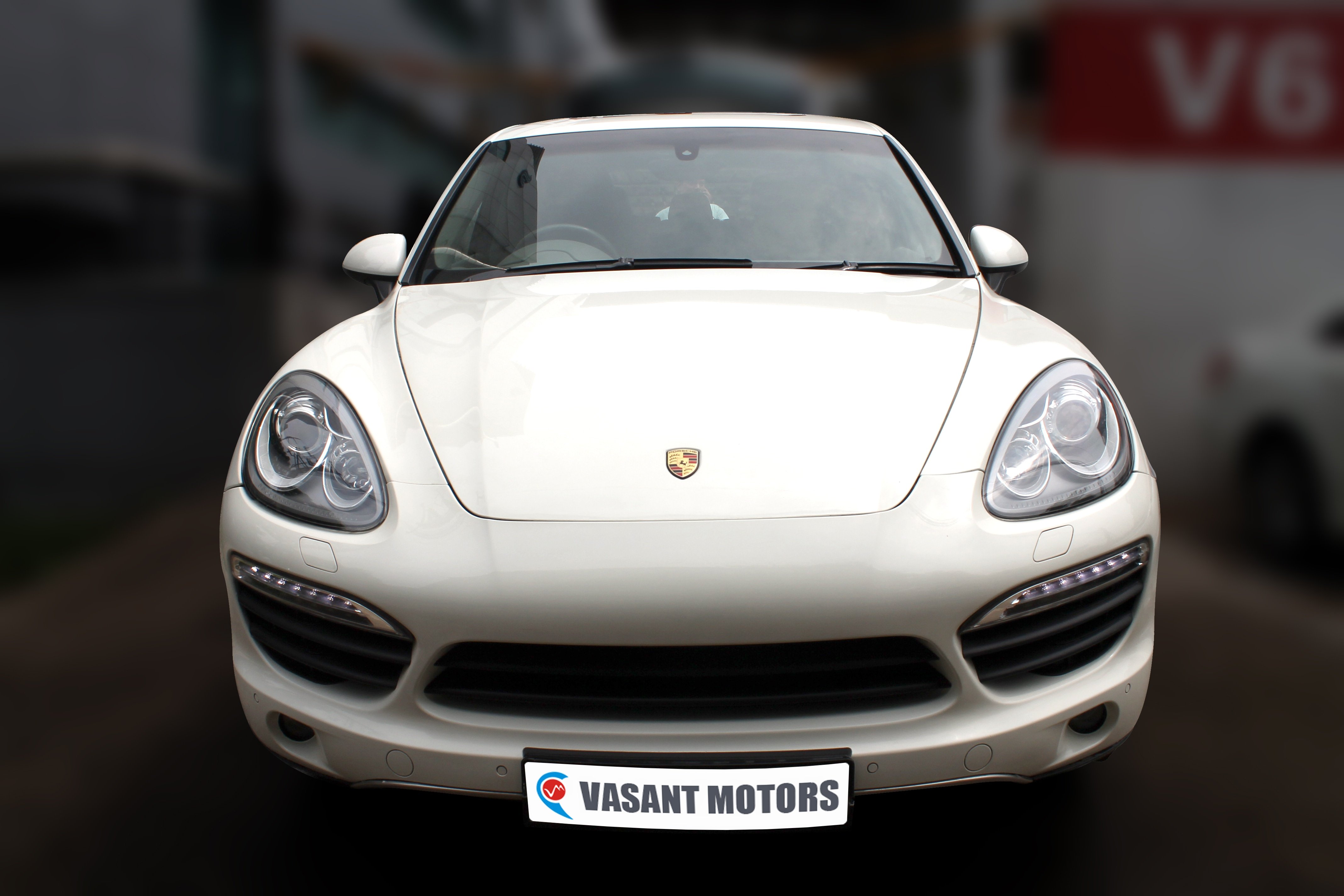 PORSCHE CAYENNE (WHITE COLOR, DIESEL), 2011 model done only 44, 000km in absolute mint condition. For further info call 7569696666