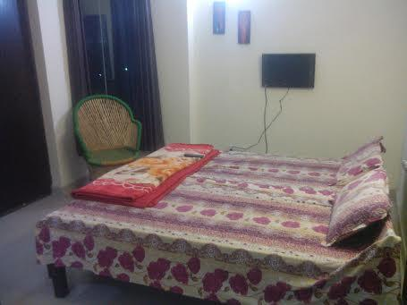 Shree Durga Boys PG provides rooms for working men and for male students at Sector 33 and Sector 48 in Gurgaon. Our rooms are fully furnished with free LCD TV, geyser in every bathroom, RO drinking water, mink blankets for very individual and more. We also provide free WiFi, DVD on demand, food for 3 times a day and housecleaning services everyday.