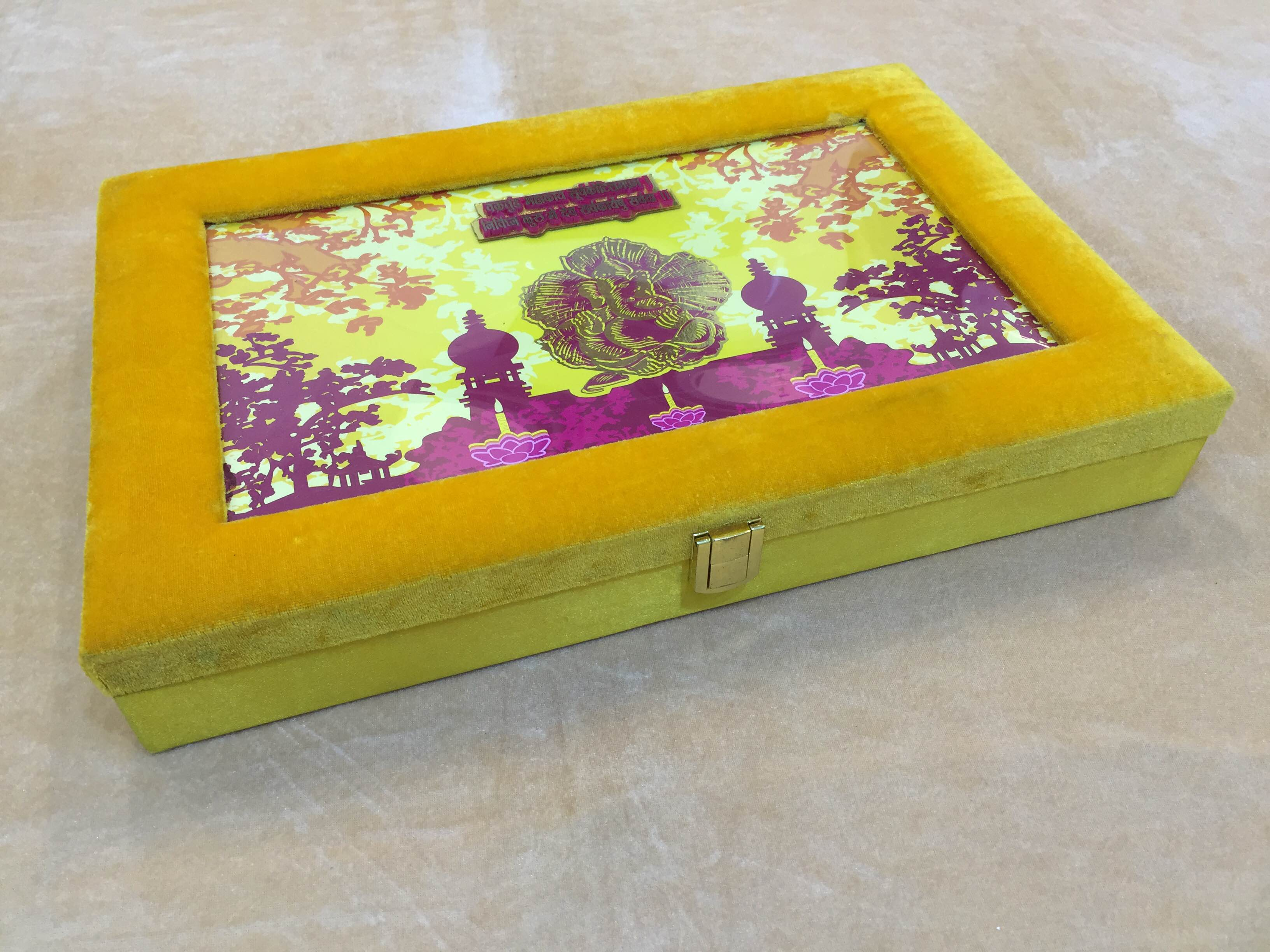 Decorative Dry Fruit Box   We are leading manufacturer, supplier and wholesaler of Decorative Dry Fruit Box in Delhi