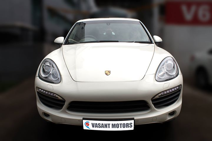 #PORSCHE #CAYENNE( WHITE COLOR, DIESEL) 2011 model done only 44, 000km in absolute mint condition... buy now and get one year #service pack from us. For further info call 7569696666. Visit us @ www.vasantmotors.in