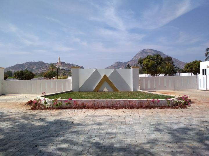 Mayan Corp Builders & Developers Private limited have diligently suit a credible reputation with our main focus across bangalore.  Residential projects & Commercial projects on Real Estate industry. We have  Residential villa plots for sale near nandi hills main road .. For more info visit us at http://villaplotsinnandihills.co.in/Mayan-Corp-Builders-Developers-Private-limited-have-diligently-suit-a-credible-reputation-with-our-main-focus-across-ban/b676?utm_source=facebookpage