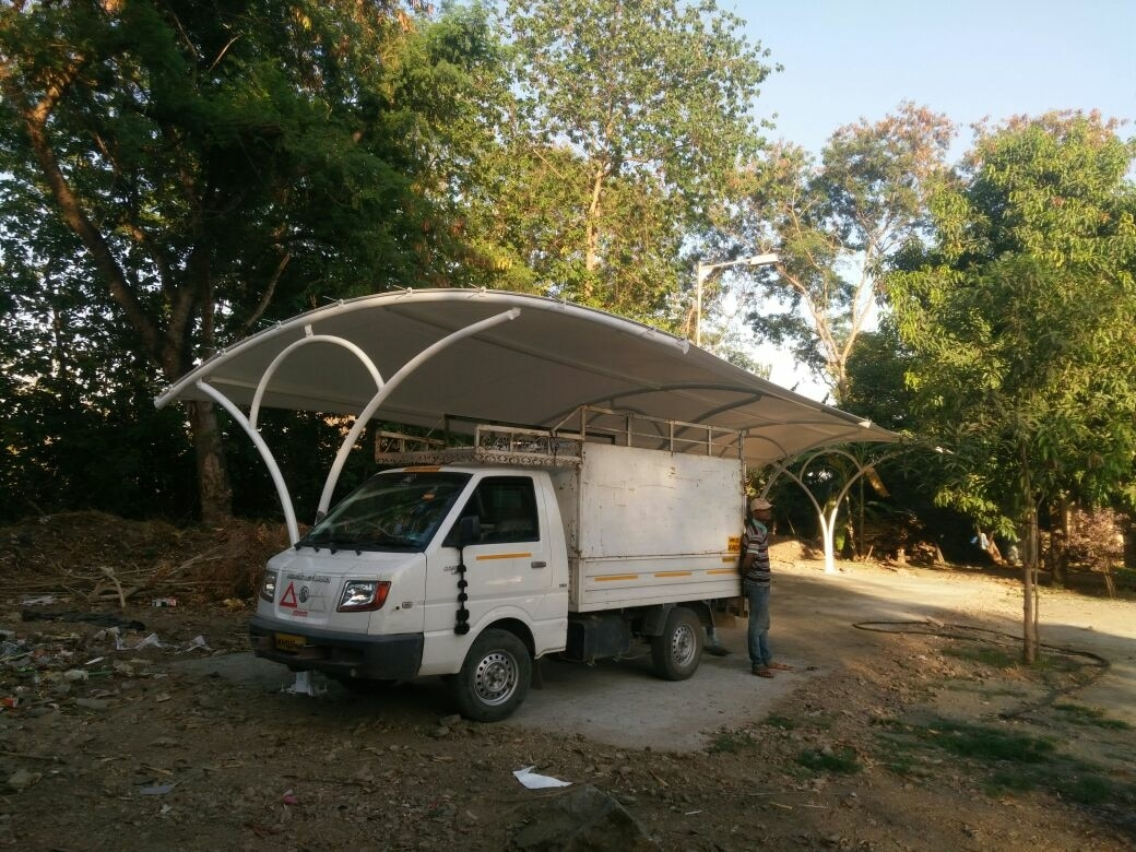Tensile parking shad