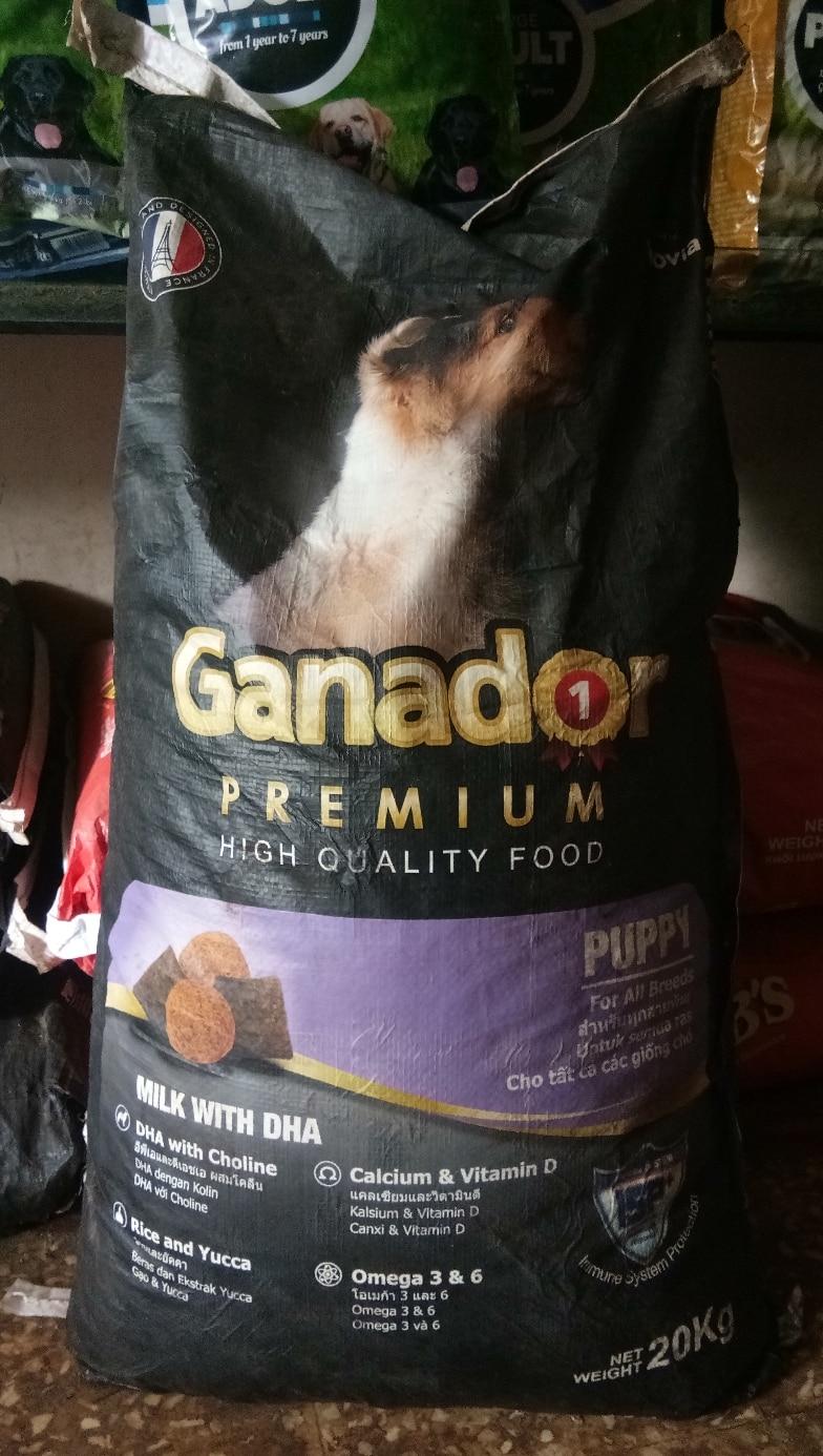 Ganador dog food. For sale. 20