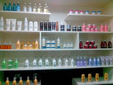 shampoos for sale in salon - by Saffron's family salon n spa, Ranga Reddy