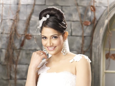 Check out our Bridal Services!! - by Naturals Salon - Salt lake city, Kolkatta, Kolkata