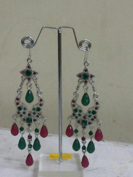 crystal earing for just 200 es