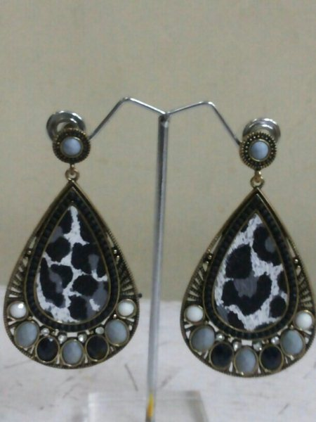 zebra print earing for just 280rs