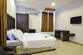 hotels in ameerpet hyderabad below 2000 - by The Crown Hotel, Hyderabad