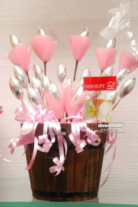 Chocolate Hut Exclusive Chocolate Bouquet range starts from Rs.750/- on words... Please Visit our Chocolate Hut at Jubilee Hills Store to view more collection.. - by Chocolate Hut, Hyderabad