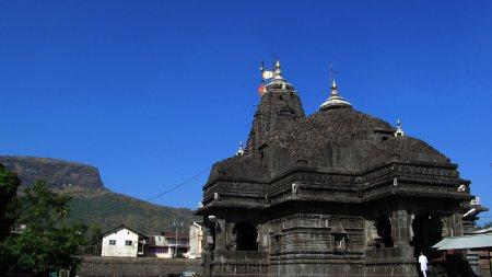................ shiva temple at the trabkeshwar in nashik...............