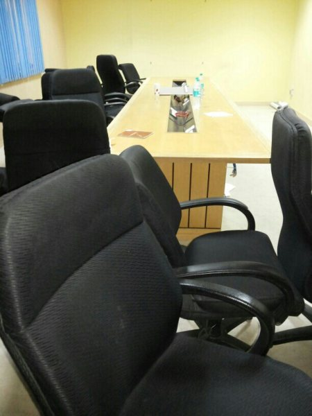 Office chairs - by Abbasi Scrap Dealer, Delhi