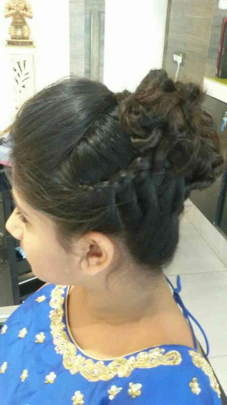 Hairdos  - by D Style, Ahmedabad