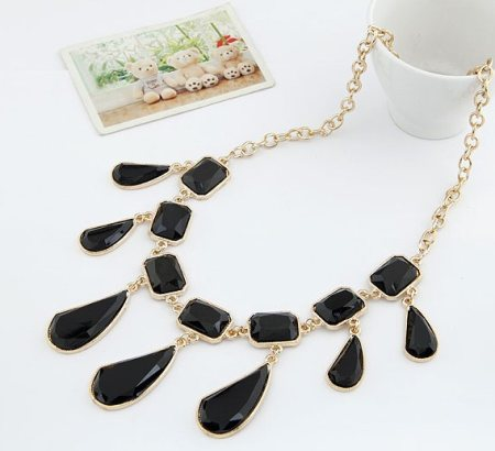 WOMEN FASHION MODERN CHOKER NECKLACE  - by Trendy Vibes, Ahmedabad