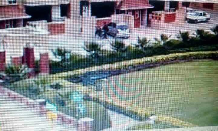 PG / Roommate in Ashiana Indirapuram- Available Girls PG/Roommate on double sharing basis with all facilities in budget at luxury society Ashiana green Indirapuram Ghaziabad. Hurry up first come first serve basis.