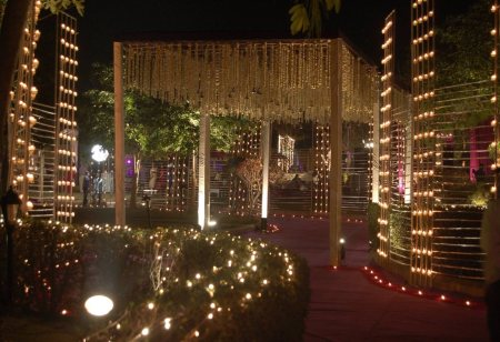 CHEAP AND BEST MARRIAGE HALLS IN DELHI  AFFORDABLE PRICE   BEST SERVICES  PARTY HALLS IN DELHI  MARRIAGE HALLS IN DELHI  BANQUETS AND LAWNS IN DELHI  - by SANJYOG | 9810339179, DELHI