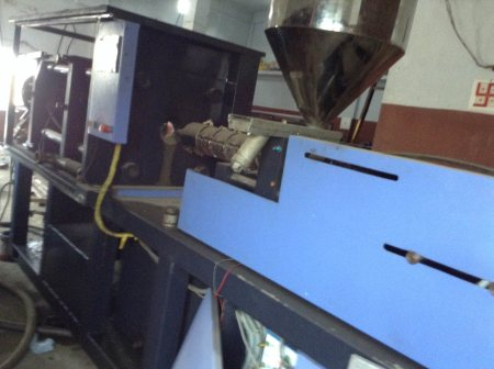 We are the leading manufacturers of injection moulding machine in hyderabad - by Tapasvi machines, Hyderabad