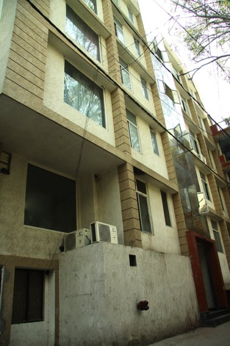 Paying Guest Accommodation GK Part 1  - by PG for Boys in Zamrudpur, Noida
