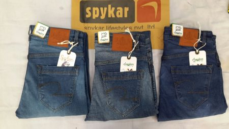 Branded jeans available fir wholesale and retail business at just rs500. For more details call me on 8232925171 or whtsapp me on 9835220670
