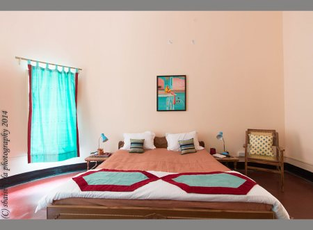 budget hotel near kashi vishwanath temple inVaranasi for family stay. 5 mins walking distance from kashivishwanath temple. Grannys Inn budget hotel homestay..home made indian food, clean rooms and modern bathrooms www.grannysinn.in