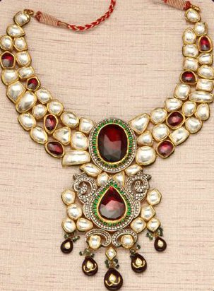 Traditional Indian JADAOU Jewellery is now available in Kanpur @ Aishpra Jewellery Boutoque