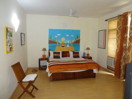 Budget hotels in Sec 48, Gurgaon, Cinnamon Stays is rated No 1 on Trip Adviosr, well known for its international standard services. Absolutely clean rooms, bathrooms, well made home cooked meals. www.cinnamonstays.in Cinnamon Stays guest house is at walking distance from most of the busines centres on Sohna Road