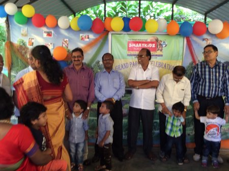 Grand Parents Day Celebrations in Our Preschools. Kids got the blessings from the elders to get a great rise.  - by Smartkidz Play School, Visakhapatnam
