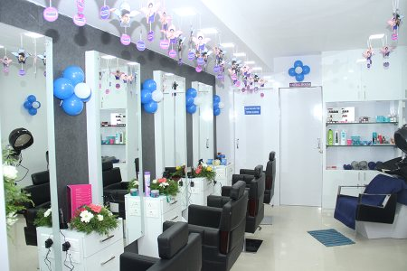 SALOONS IN PEELAMEDU COIMBATORE - by Pinks n Bloos, Coimbatore
