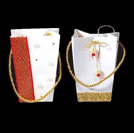 Paper Bags manufacturer in Pune.  We make the following variety :  Laminated Paper Bags Luxury Paper Bags Personalized Paper Bags Printed Paper Bags Kraft Paper Bags Brown Paper Bags White Paper Bags Special Paper Bags  - by Ingenious Ecobags, Pune