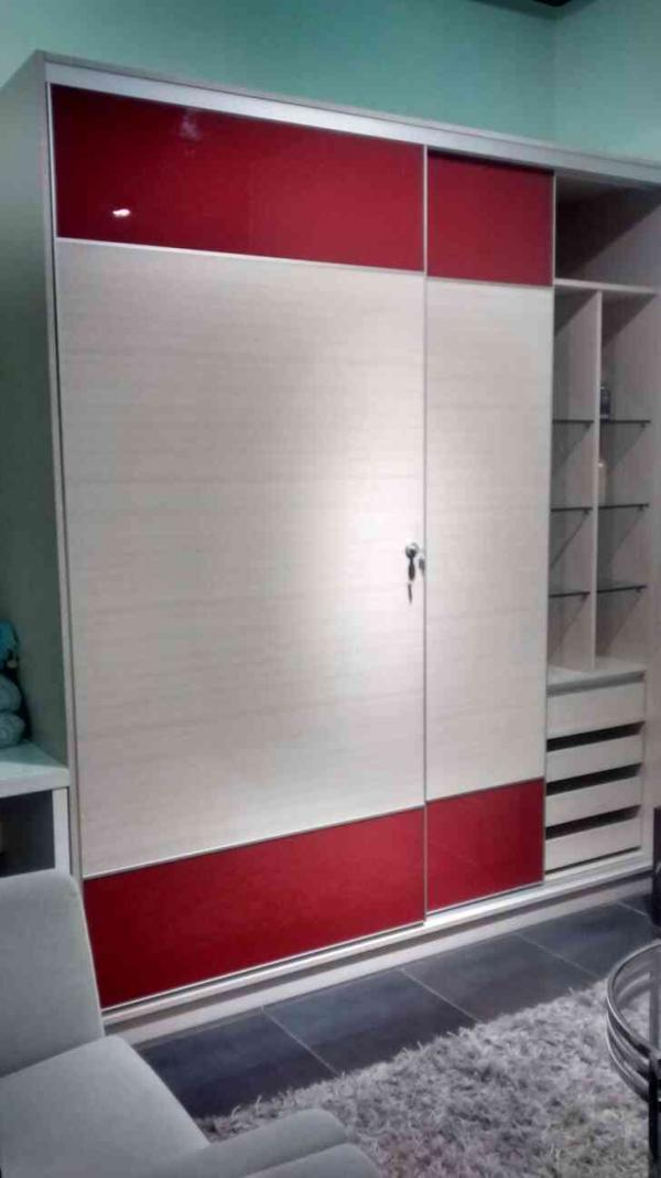 sliding door wardrobes only at luxus - by Luxus Gachiblowli, Hyderabad