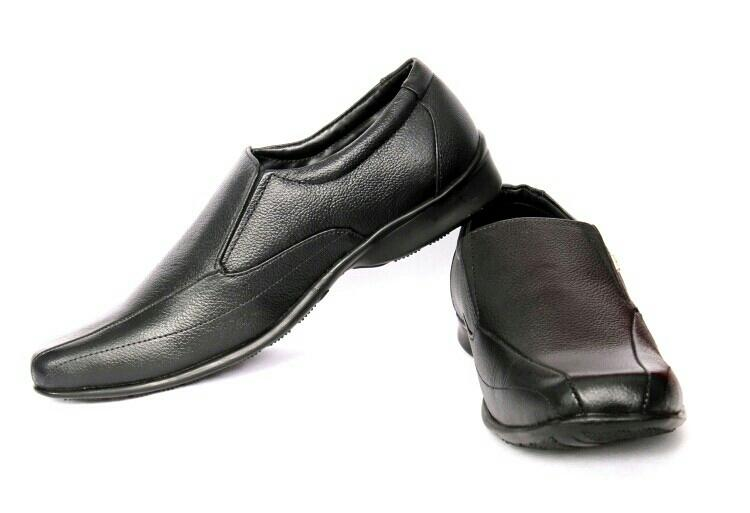 Provogue black formal shoes for man. only a few are left for 999/- free shipping in Delhi NCR