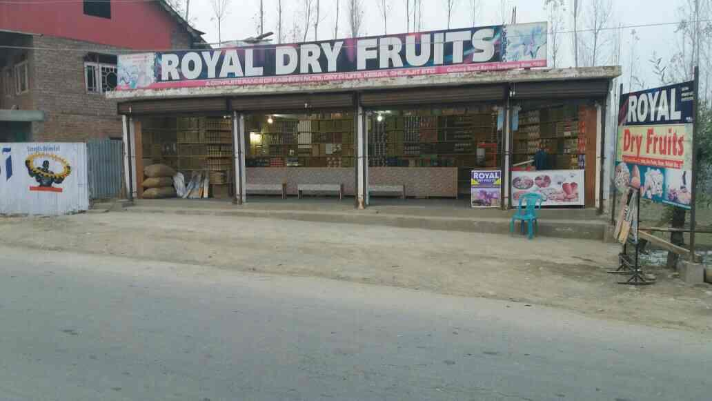 we serve high quality dry fruitd - by Royal Dry Fruits, Rarem kunzer tangmarg