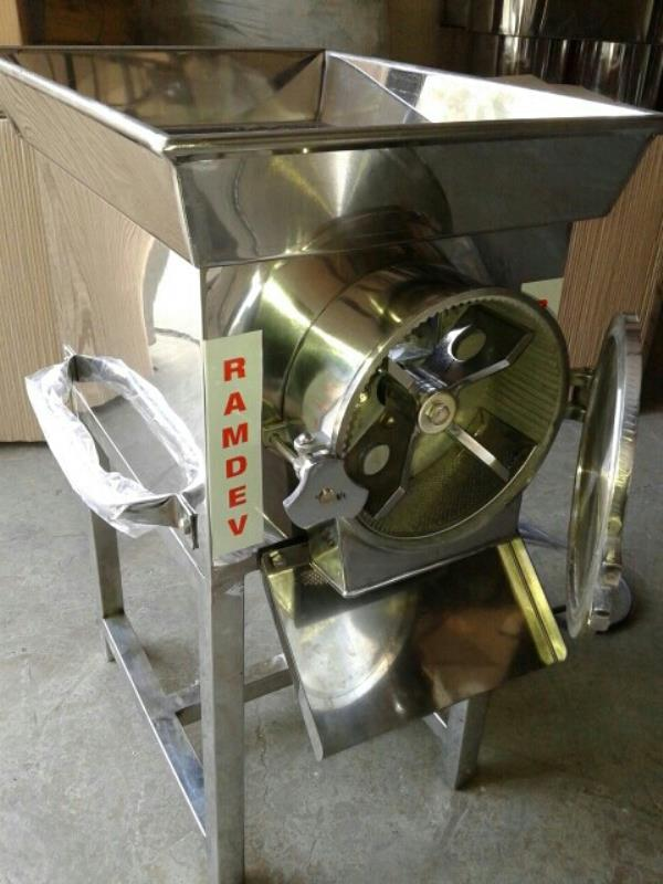 we are manufacturer of gravy machine in rajkot - by Ramdev Engineers, Rajkot
