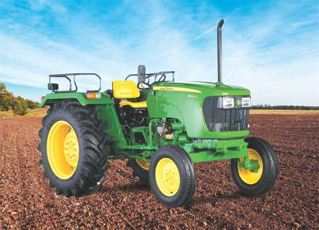 JOHN DEERE 5042 D  42 HP  FEATURES & SPECS Power SteeringOil Immersed Disc BrakesDry Type Air FilterOil Jet for Piston CoolingSee All Features Engine	42 HP, 2100 RPM, 3 Cylinders, Coolant cooled with overflow reservoir, Naturally Aspirated - by rewa motors, REWA