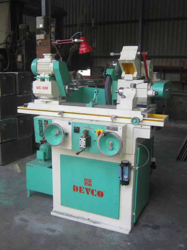 'DEVCO' MODEL NO. UC-300 CYLINDRICAL GRINDING MACHINE COMPLETE WITH ELECTRICAL.